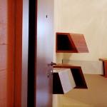 Console Cm: 128 x 49; h. cm: 30 Acier vernis; bois 2010©MarcelloTogni