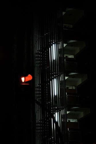 Escalier au feu rouge